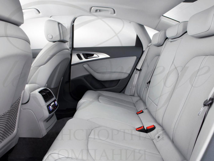 Audi A6 (белый)