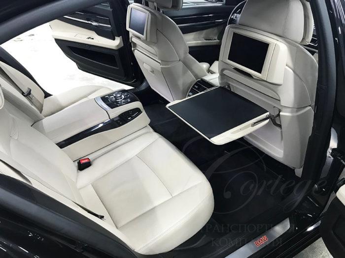 BMW-7 F02 LI (черный)