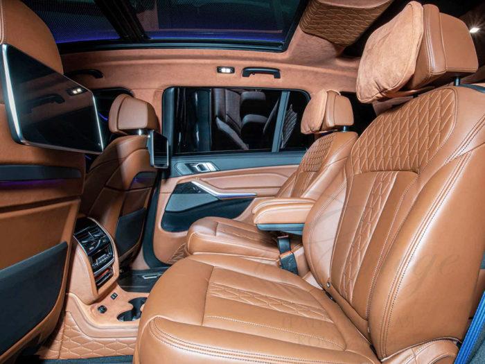 BMW X7 (черный)