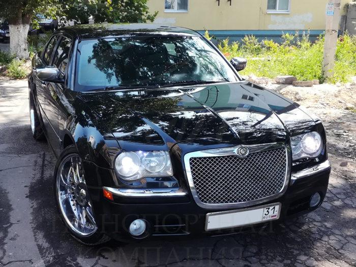 Chrysler 300C (черный)