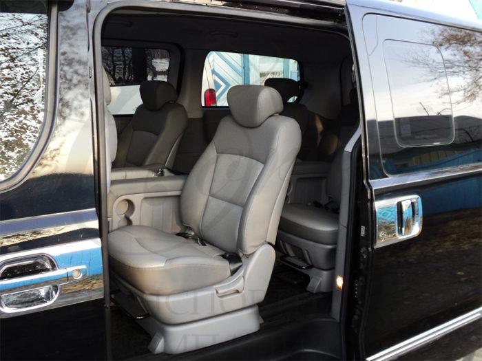 Hyundai H1 (черный, 7 мест)