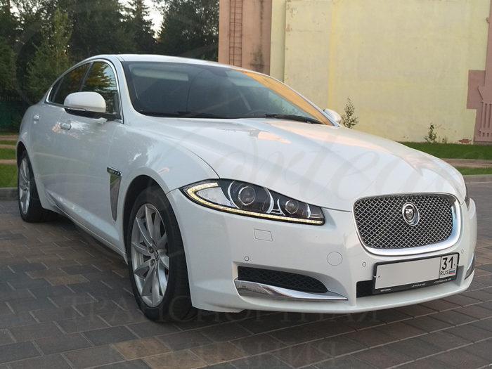 Jaguar XF (белый)