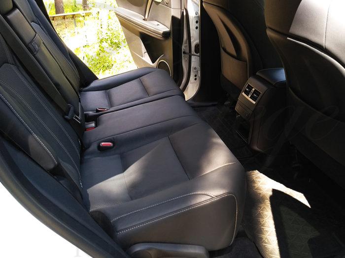 Lexus RX (белый)