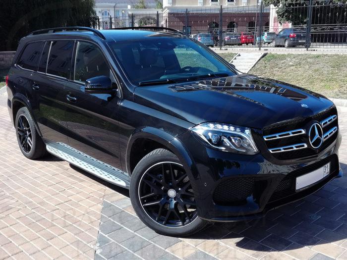 Mercedes-Benz GLS (черный)