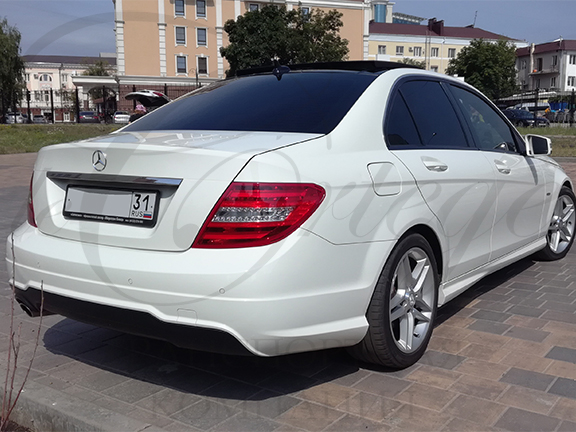 Mercedes-Benz C W204 (белый)