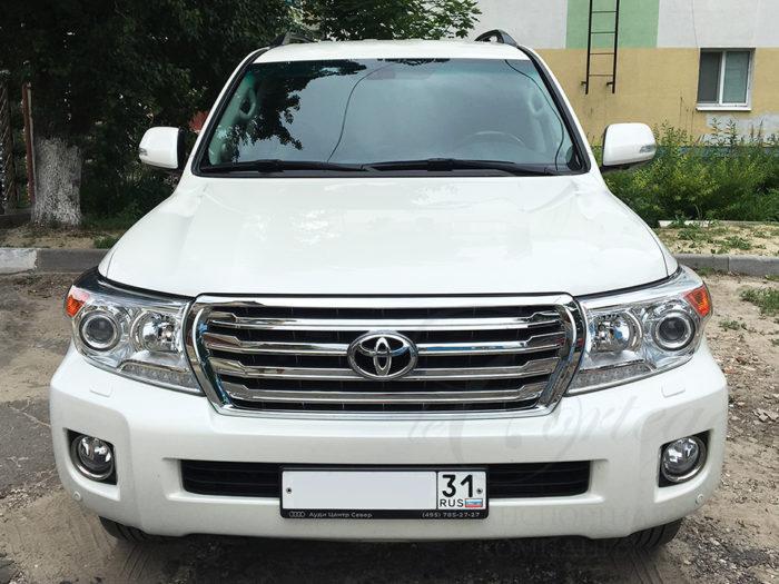 Toyota Land Cruiser (белый)
