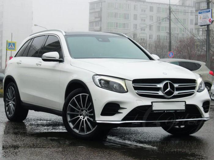 Mercedes-Benz GLC (белый)